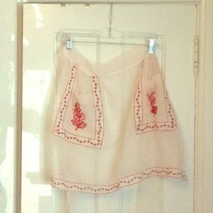 Vintage apron with flower pockets